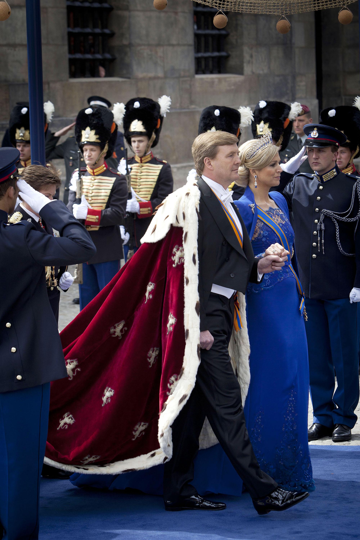 Ceremonieel tijdens de troonswisseling op de Dam.